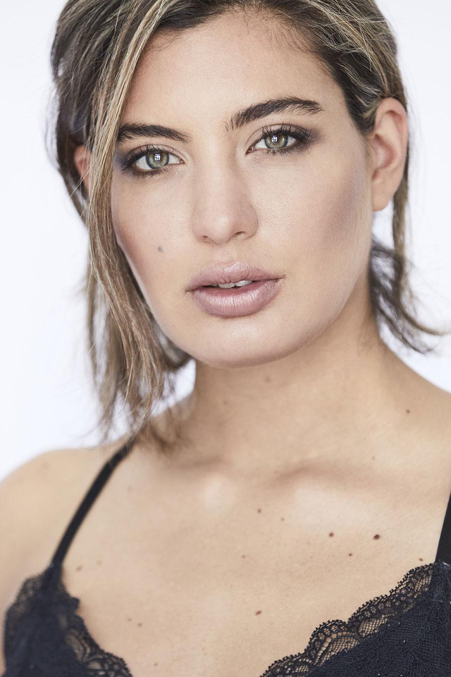 Modelo Camila Mancini por Julian Mercado