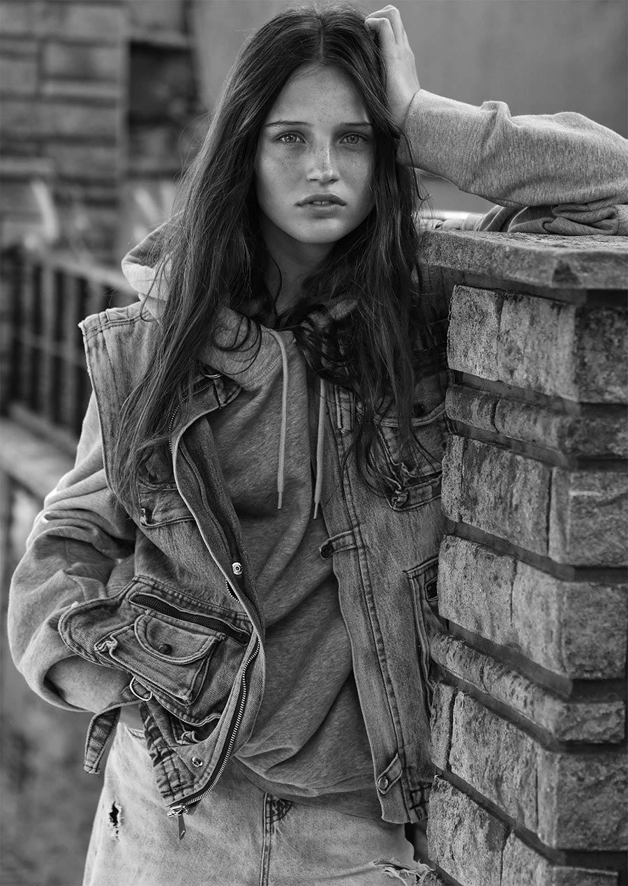 Modelo Delfina Oreally por Martin Traynor